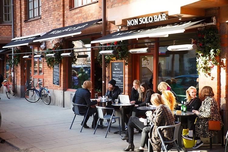 Hip cafés at rorstrandsgatan with this tour